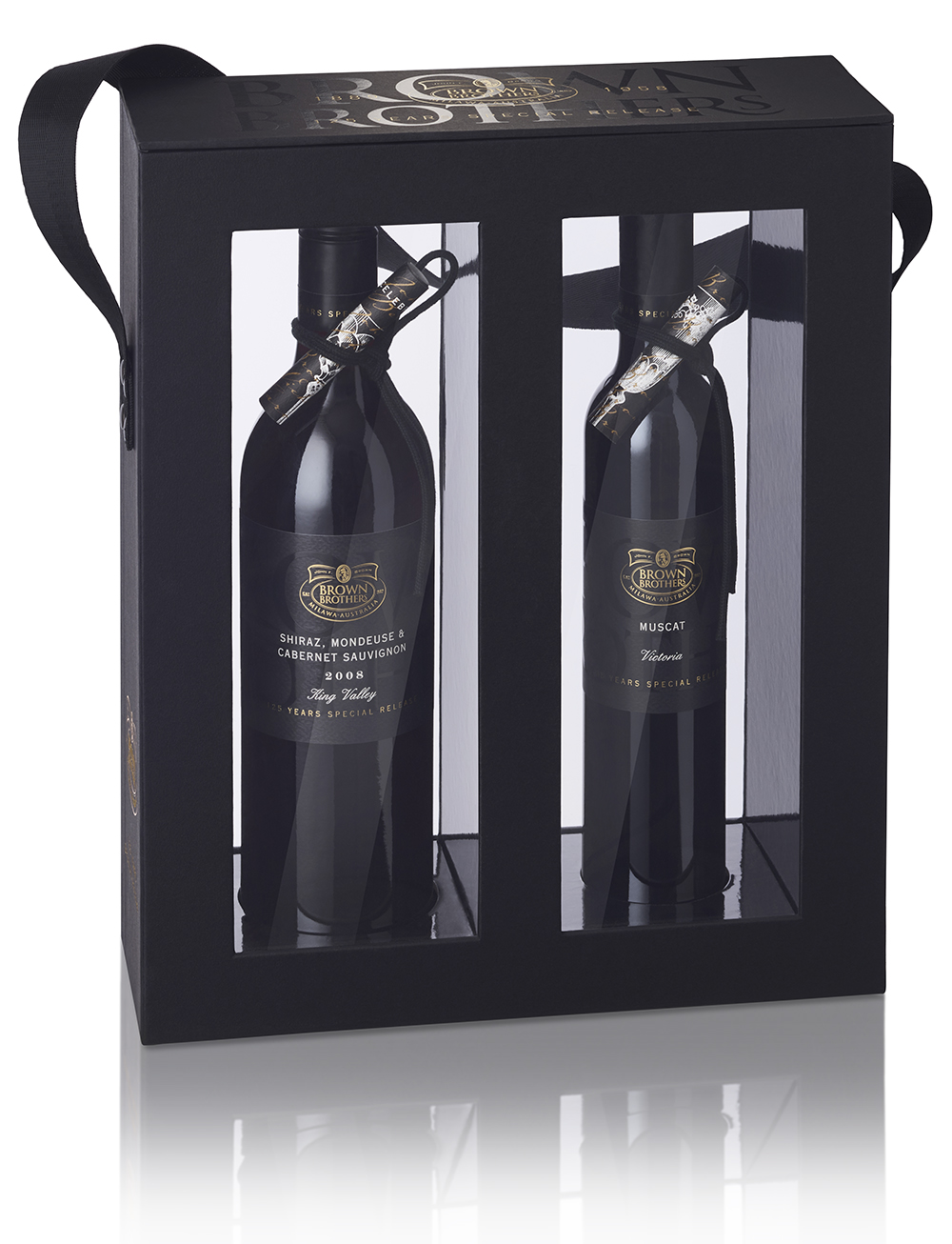 The series of 4 wines were packaged in pairs, in specially designed presentation boxes with matt and gloss varnish effects, magnetised lift out lids and webbing straps.